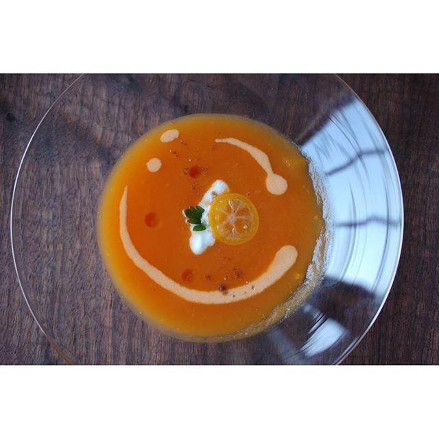 2016年3月のpatisserie MiA『NATURE LUNCH』の一品。 春人参のスープは金柑と生姜などが入ったエキゾチック風味。4/7からは毎週木金土に開催いたします。ご来店お待ちしています。