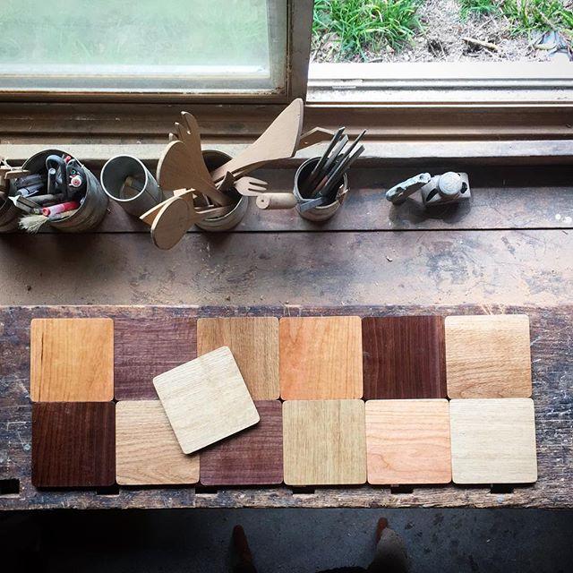 Coaster. Oak, chestnut, cherry, black walnut. コースター。楢、栗、チェリー、ウォールナット。