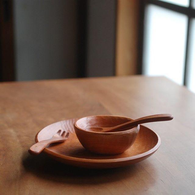 """お食い初めセット。 赤ちゃんがスプーンをガジガジかじったり、器を投げたり(!)して欠けてしまっても、'お直し'しますので、ガンガンに使ってやって下さい! """"Okuizome""""(first meal) set. Even if a baby bites a spoon and throw a bowl, I repair it. Please use it a lot !"""