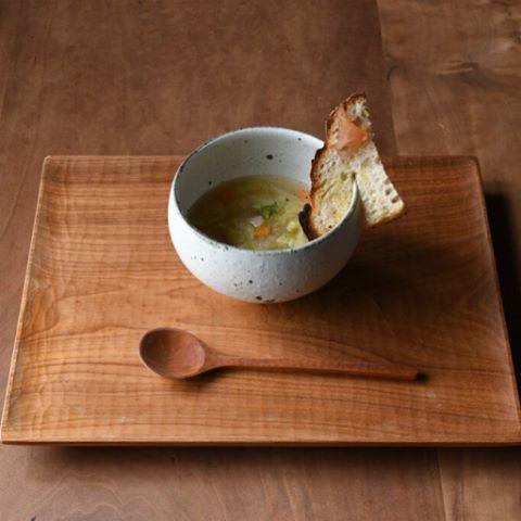 """今月のコンフィチュールランチ。 十河隆史さんのスープカップと白釉皿を使わせていただきました。 patisserie MiA. """"Confiture Lunch """""""