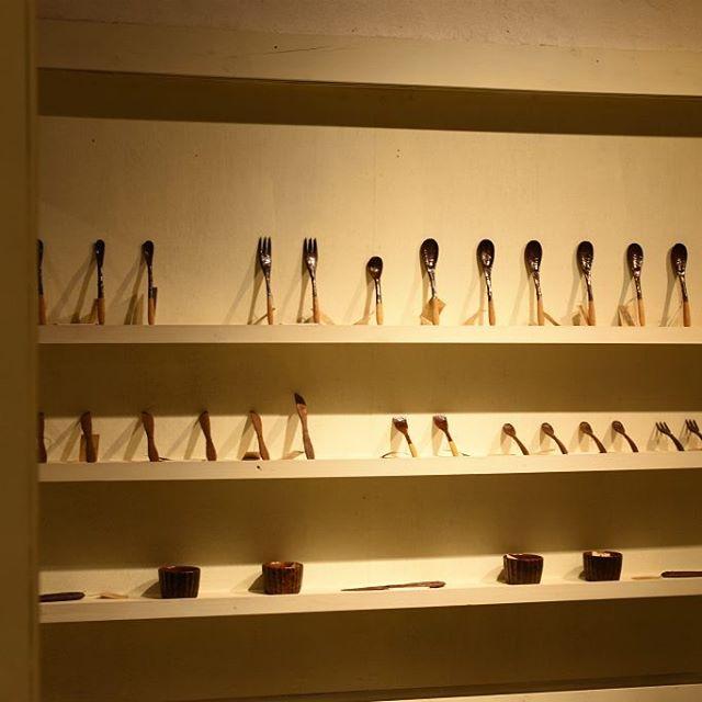 松本寛司展「コツコツコツ」 木地×漆...使い込むほどに両面の良さを感じられる、素敵なカトラリー。ぜひ店頭で手に取ってご覧ください。 本日も皆さまのご来店を心よりお待ちしています。