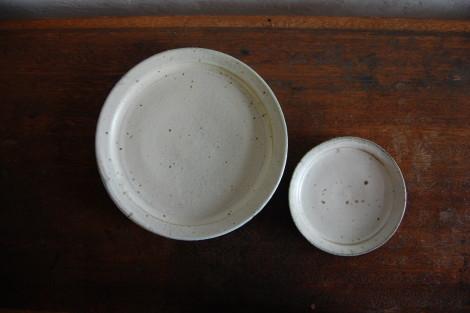 灰白リム皿①